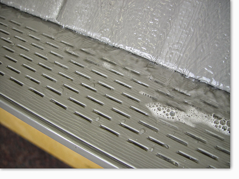 closeup-gutter-protection